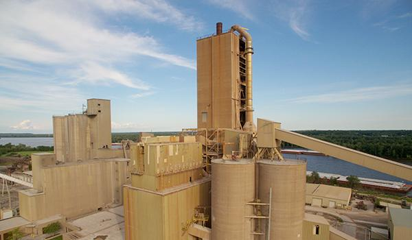 Summit Materials Acquires Davenport, Iowa Cement Plant